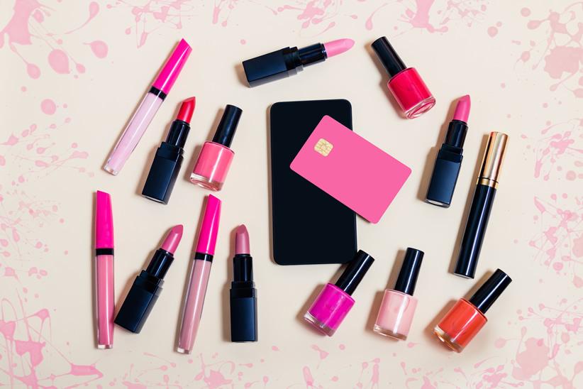 【アンケート】化粧品は〇〇で選ぶ!ユーザーに選ばれる化粧品とは